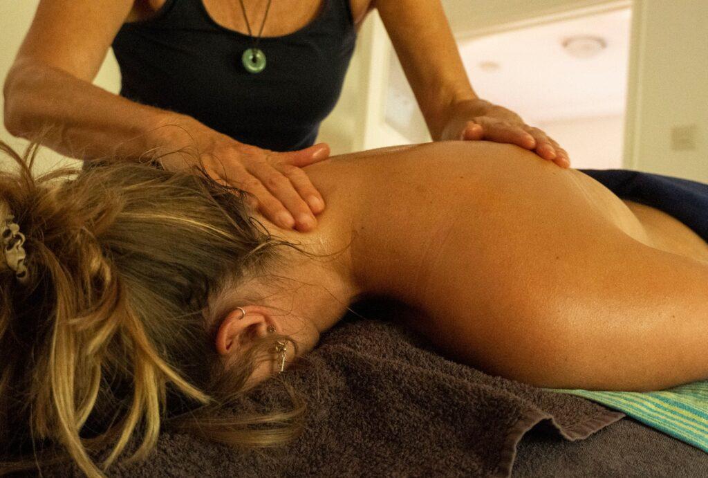 Lomi Lomi ontspanningsmassage bij Massagepraktijk Tinkel in Nijmegen